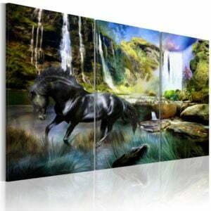 Wandbild - Pferd vor dem Hintergrund eines Wasserfalls